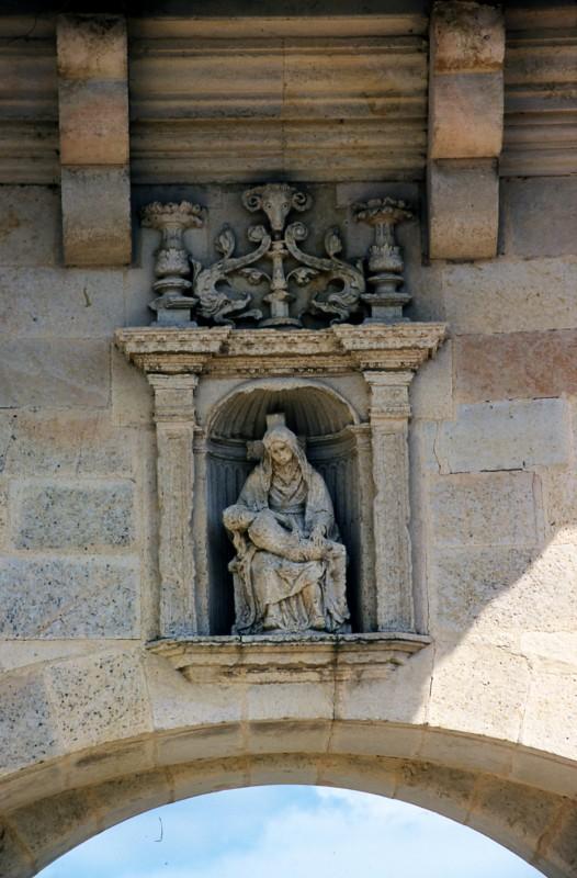 Virgen Portada