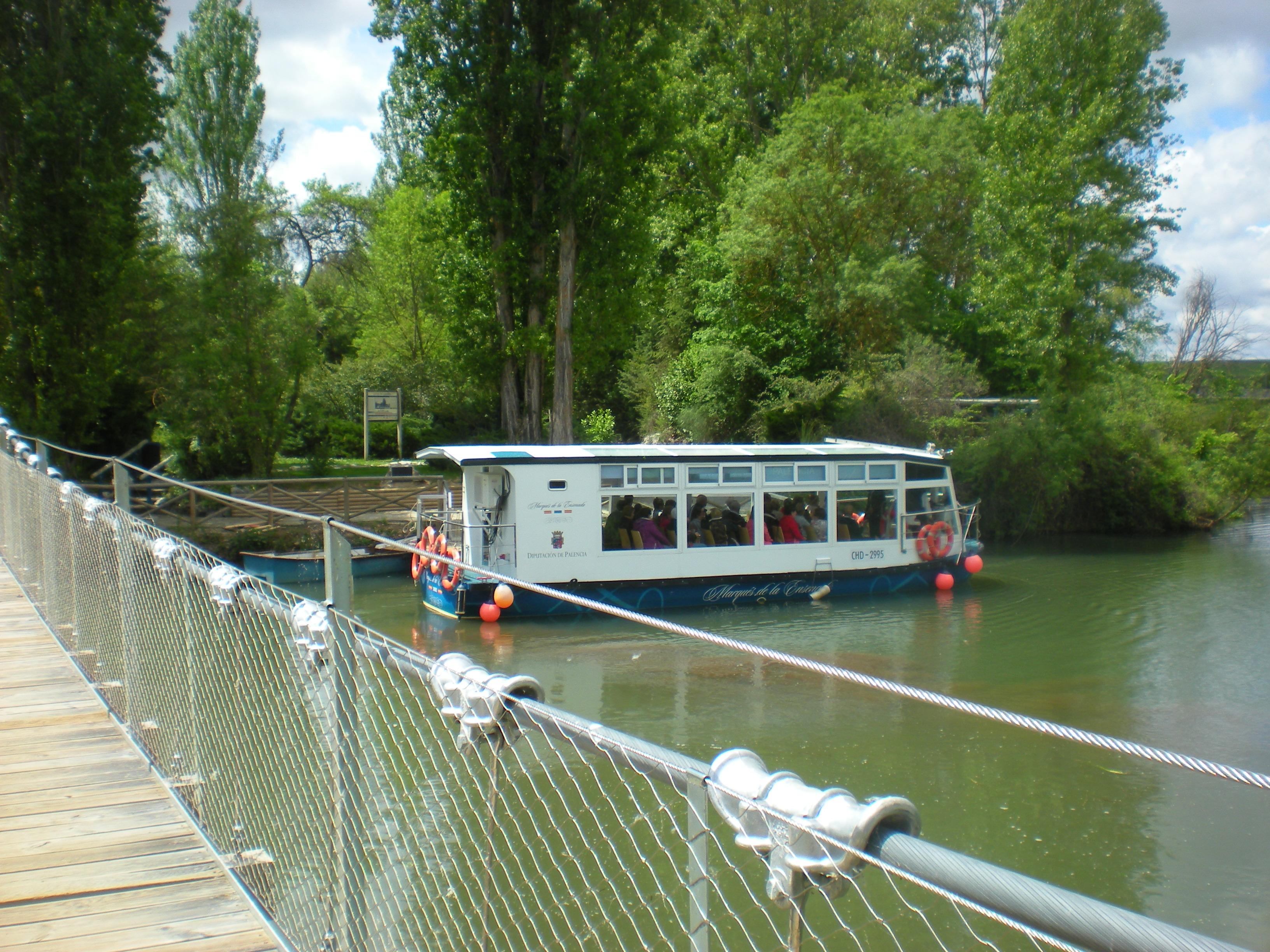 El barco en el embarcadero
