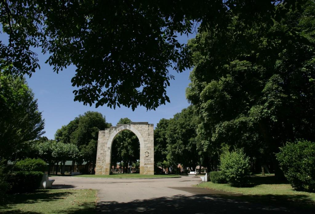 Puerta de Aguilar en el Parque