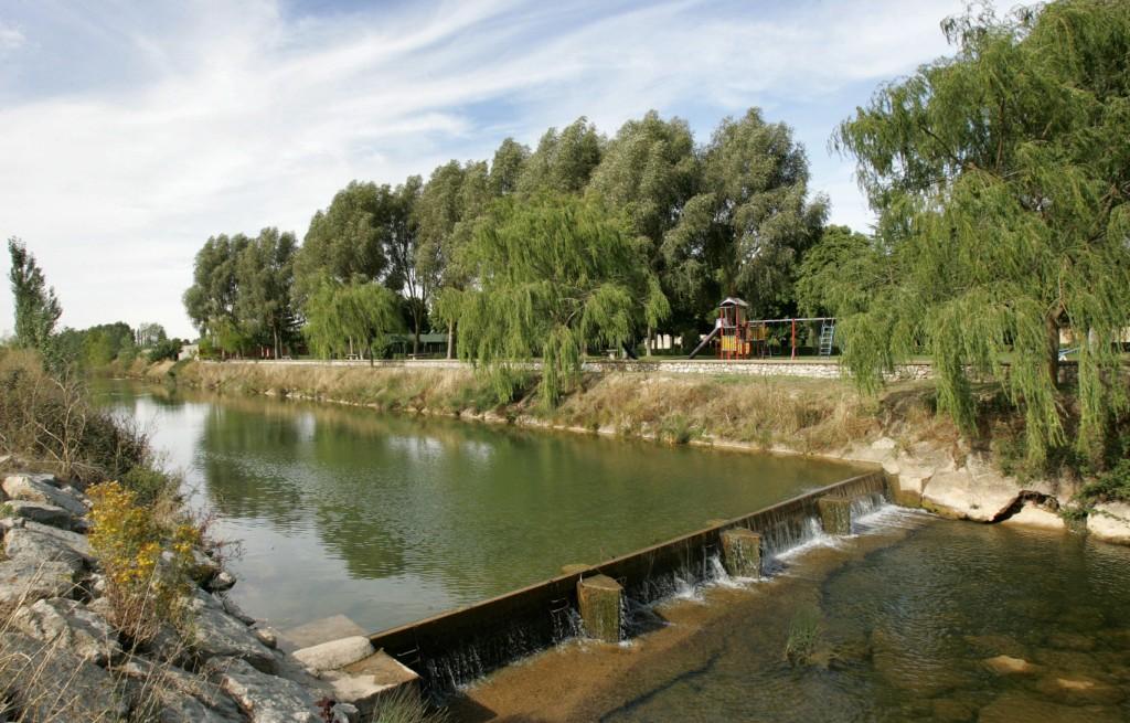 Presa en el río Burejo, junto al Parque