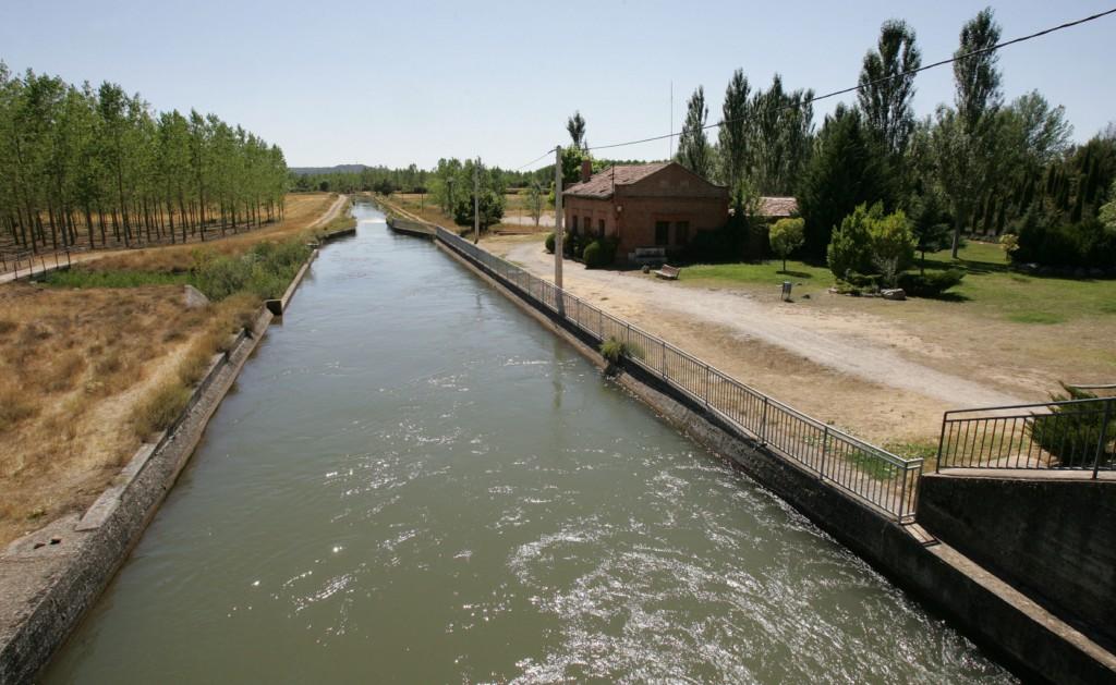 El Canal del Pisuerga junto al Centro de Interpretación