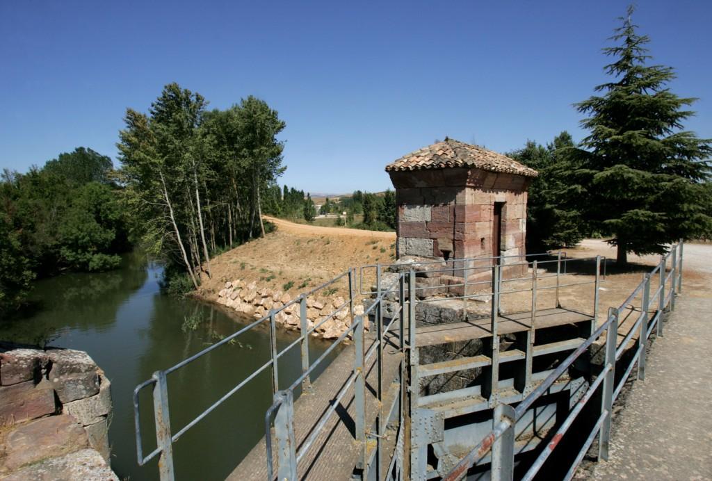 El Canal de Castilla, esclusa de retención