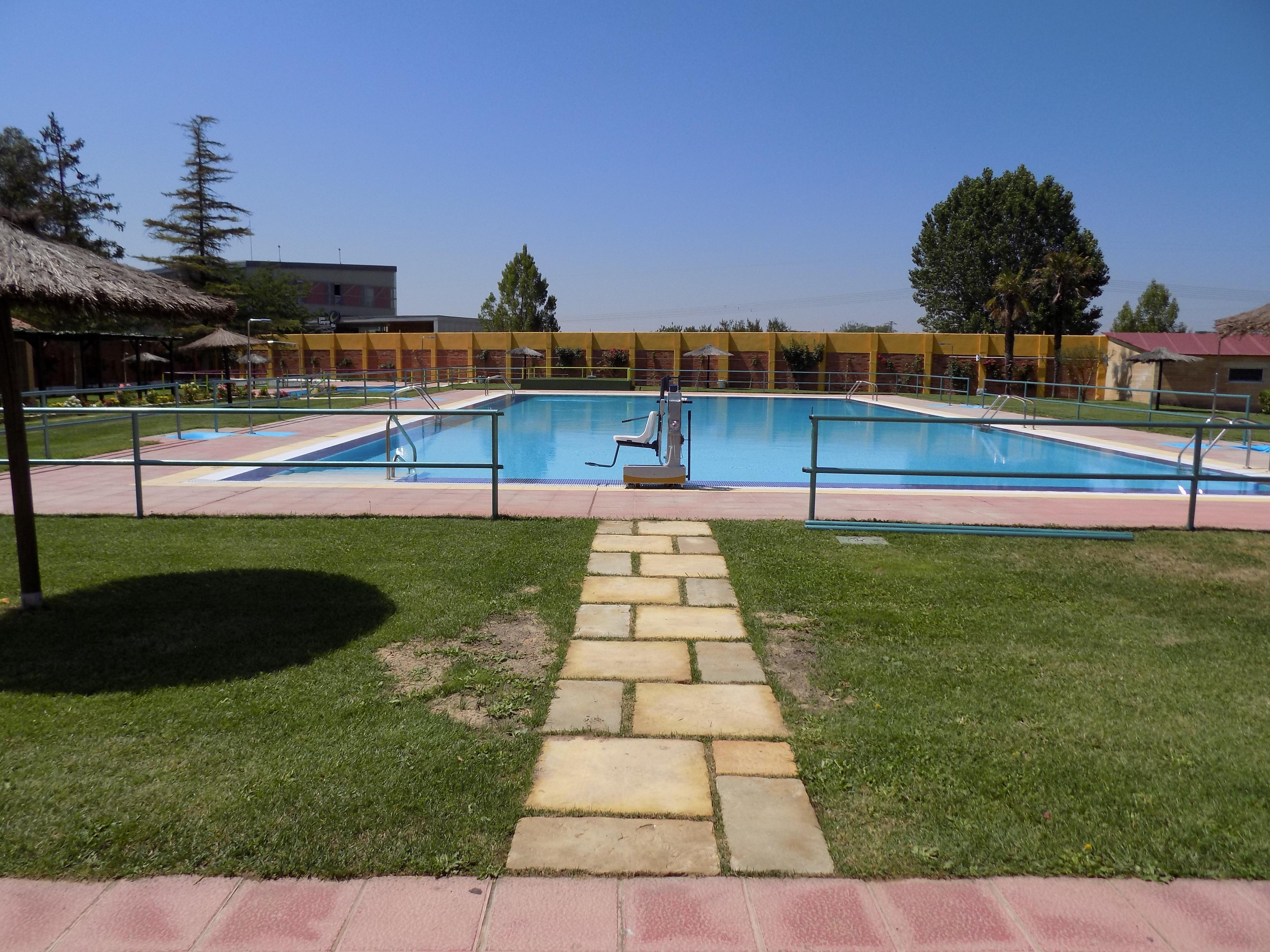Máquina de acceso a piscina para minusválidos